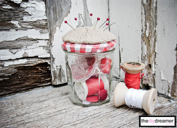How to transform a jar into a fun retro-style Pincushion Jar. Perfect to give as a gift or to keep for yourself.