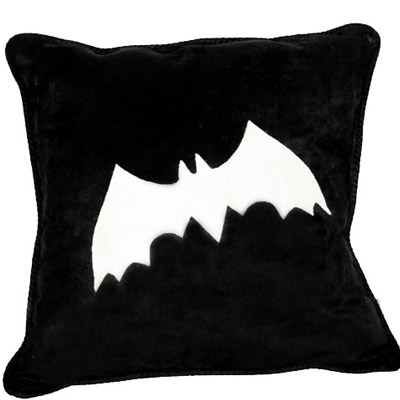 No Sew Bat Pillow!!!