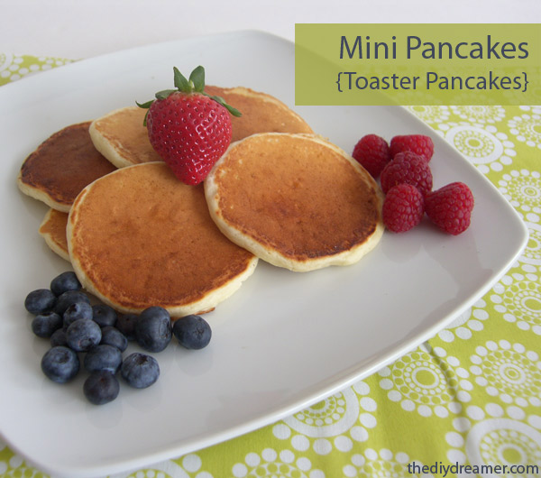 Mini Pancakes aka Toaster Pancakes. These pancakes are delicious and perfect for weekday breakfast! Kid and Adult approved! - thediydreamer.com