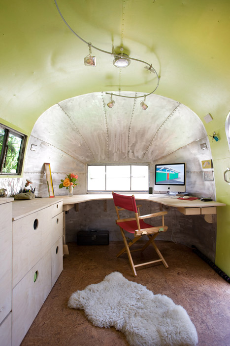 airstream-andreas-stavroupolos-office-vertical