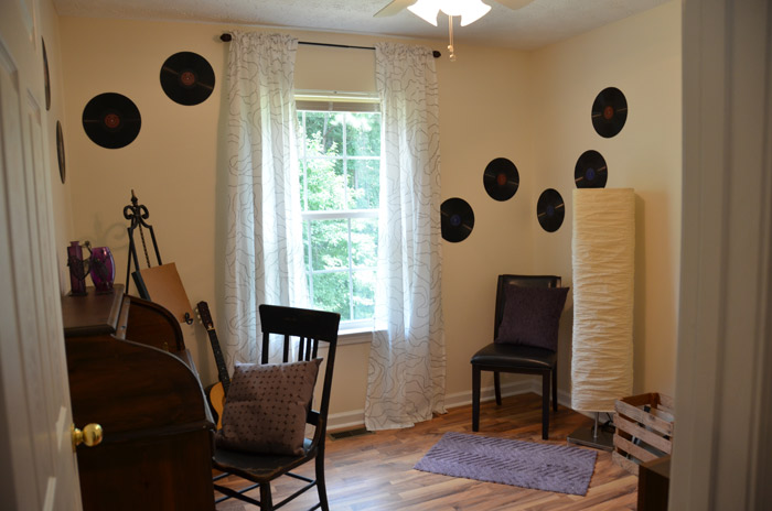 Music Room (Office Space) - theDIYdreamer.com #GMCHTA