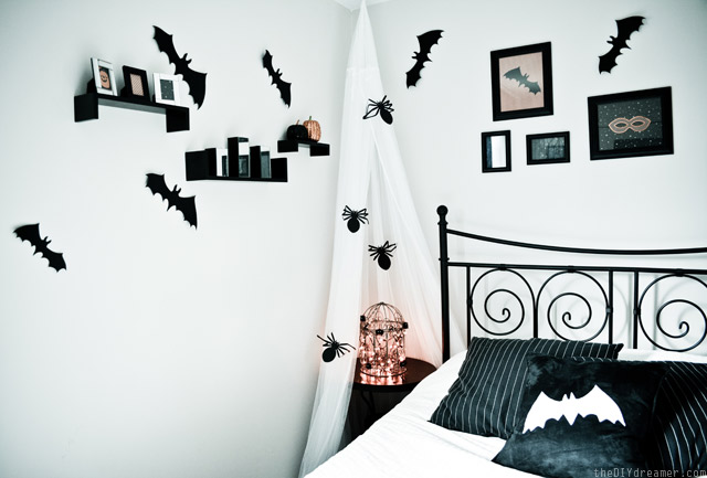 Spooky Halloween Bedroom Decor