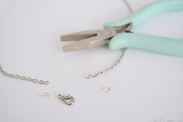 How to add a lobster clasp