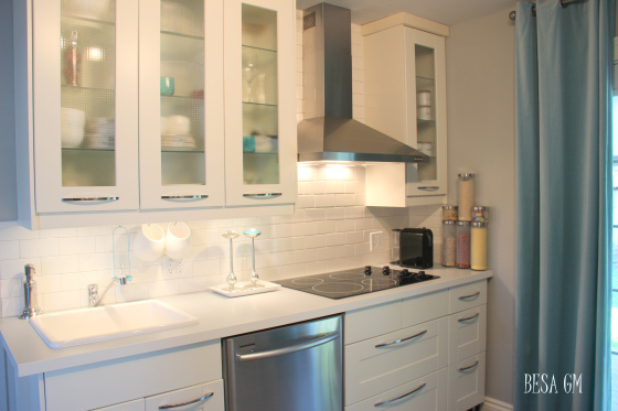 Small Kitchen Remodel - Stylish and Sleek Design