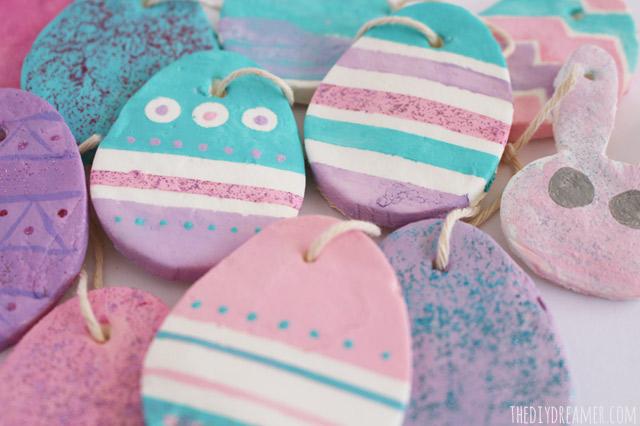 Baking Soda Easter Eggs - Easter Crafts