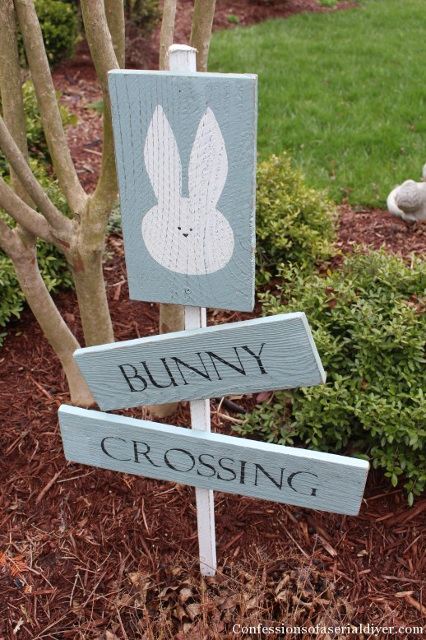 Bunny Crossing Sign made from a picket fence