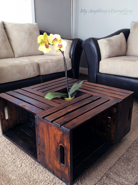 Crates transformed into a beautiful coffee table