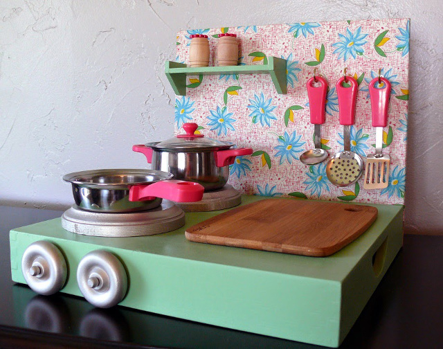 DIY Play Kitchen and Food