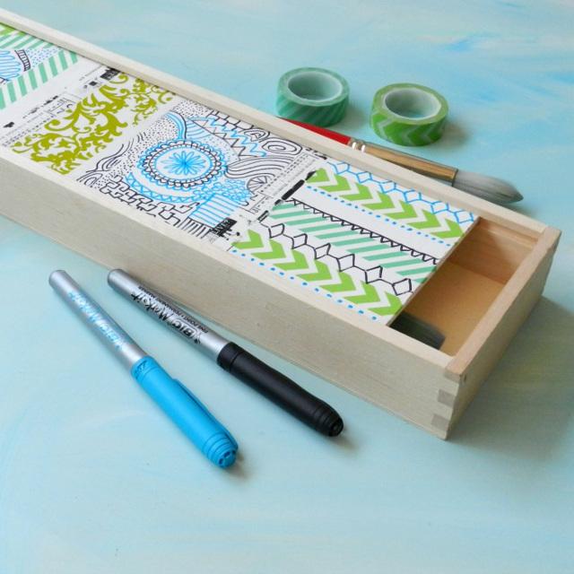 Pretty Paintbrush Box