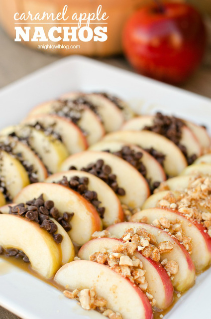 Delicious Easy Caramel Apple Nachos