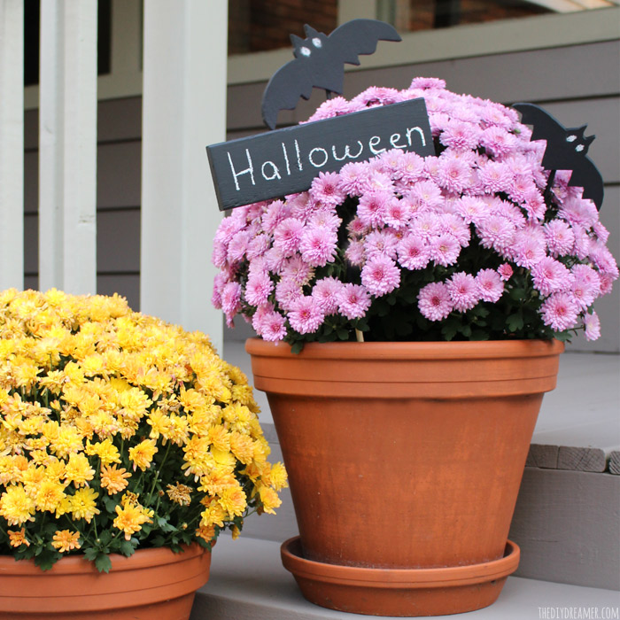 Halloween Planter Decorations: Chalkboard Wood Bats