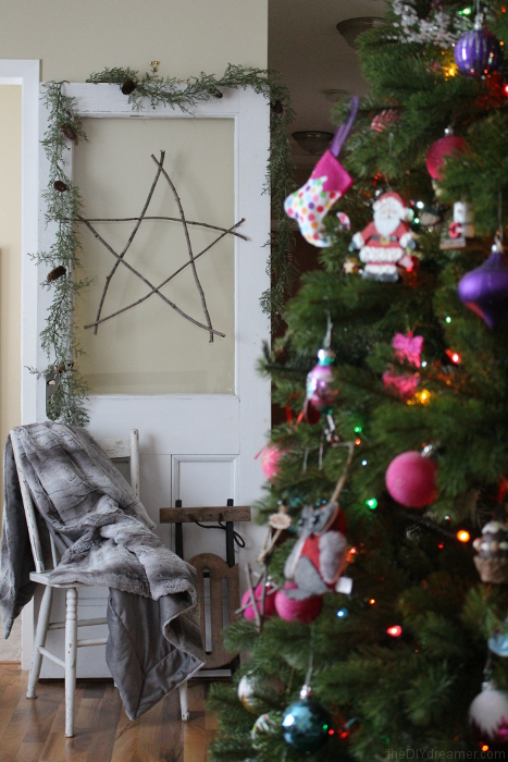 Giant Star made with branches! Perfect for your Rustic Christmas theme! Free and easy to make!