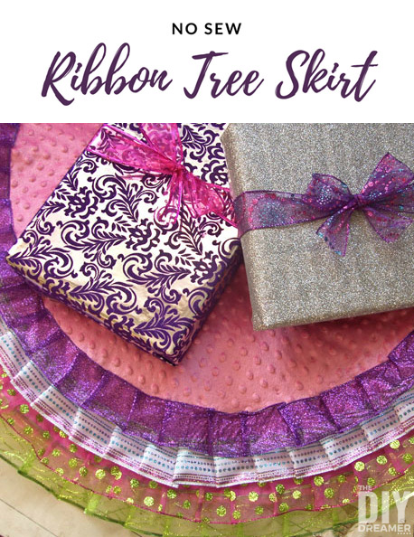 No Sew Ribbon Tree Skirt. Who doesn't love a no sew project?!