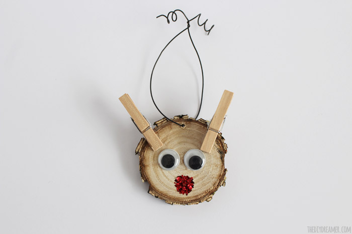The cutest Rudolph Ornament EVER!! Reindeer Wood Slice Ornament - Kid Craft! Rudolph The Red Nosed Reindeer Ornament!