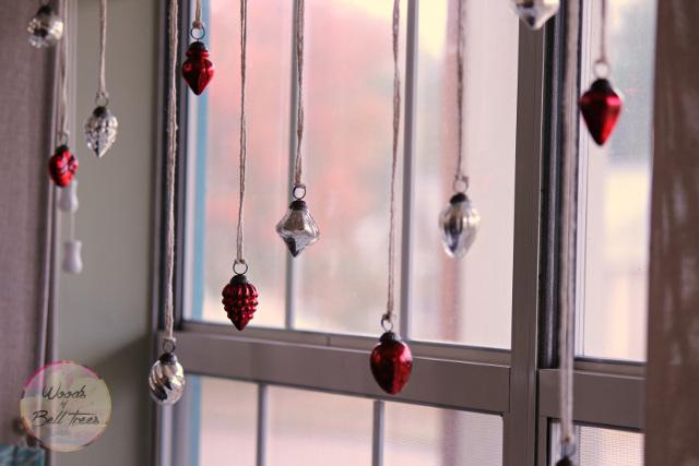 Christmas Wood Display - Hang beautiful ornaments on ribbon.