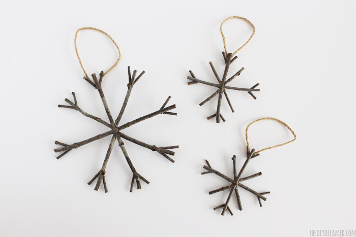 Rustic Twig Star Christmas Ornaments - So pretty! Perfect touch to Rustic Christmas decor!