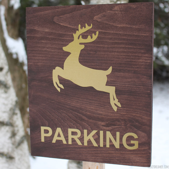Reindeer Parking Sign – Outdoor Christmas Decoration