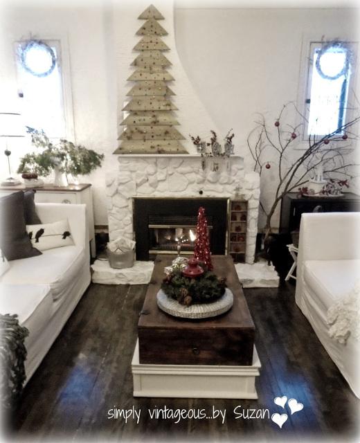 DIY Plank Christmas Tree