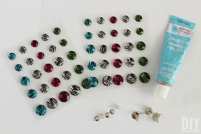 How to make earrings from stickers.