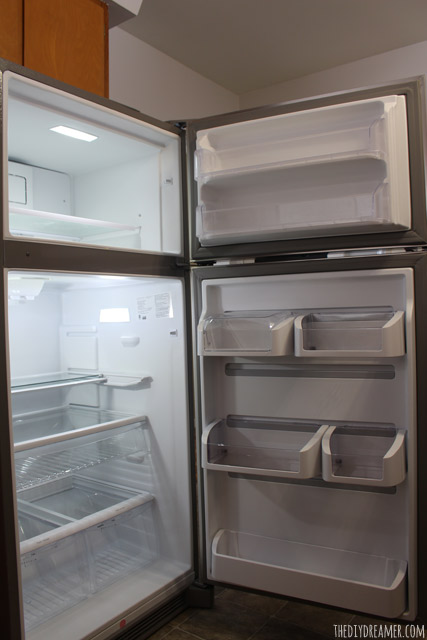 Frigidaire Gallery® Custom-Flex™ Top Freezer Refrigerator - Superior LED Lighting