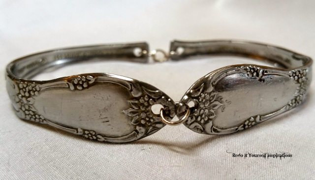 DIY Silverware Handle Bracelet! Transform vintage spoons into beautiful bracelets!