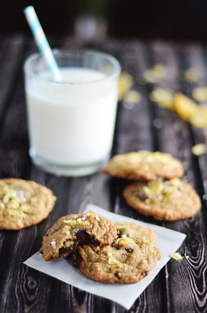 Potato Chip Chocolate Chunk Cookies