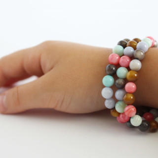 Kids Crafts – Beaded Stretch Bracelets Tutorial