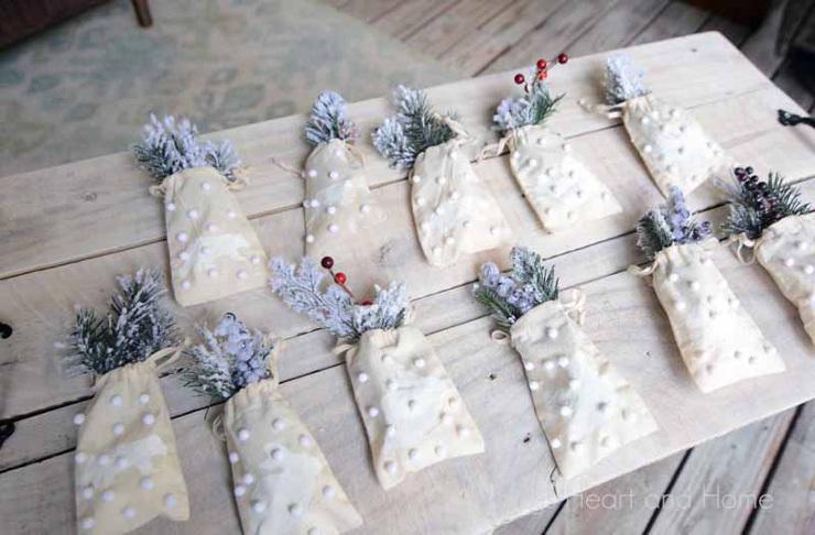 Mini Muslin Pouch Ornaments