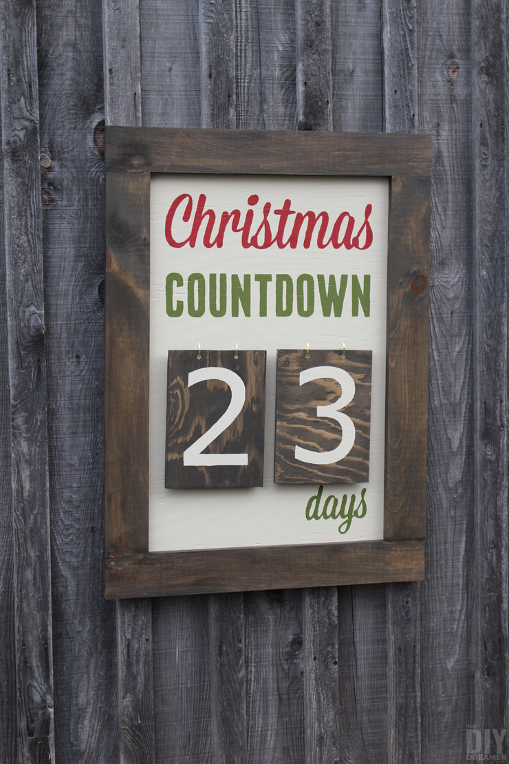 DIY Outdoor Wall Mounted Days Until Christmas Sign