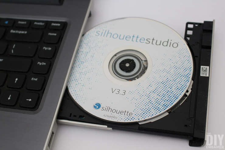 How to install Silhouette Studio software.