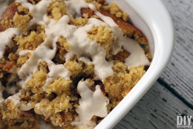 Delicious Maple Syrup Cake Crumble.