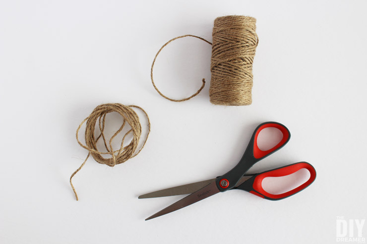 How to cut twine string
