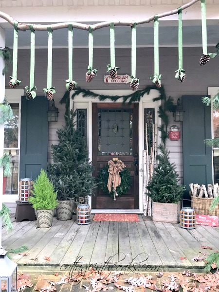 DIY Pinecone Banner for Christmas