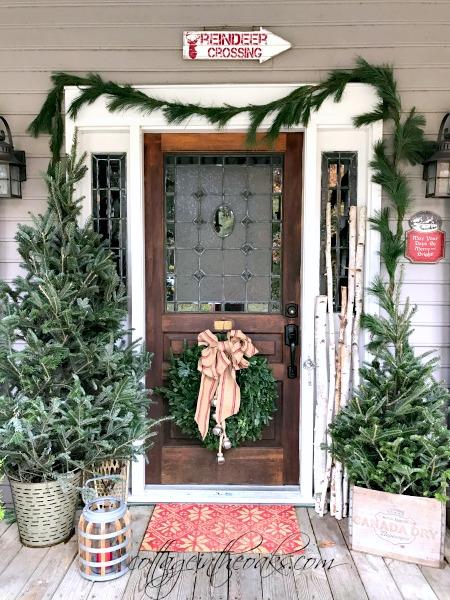 Cottage Christmas Front Porch Ideas