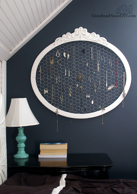 Old Frame and Chicken Wire Upcycled into a Jewelry Hanger