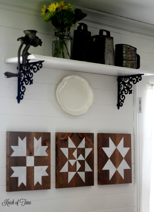 How to to Make a Farmhouse Barn Quilt Block Sign with Step-by-Step Tutorial