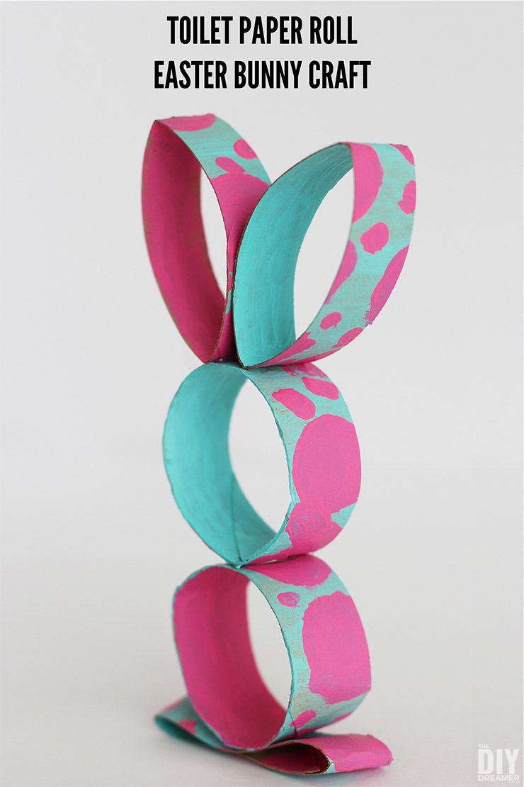 Toilet Paper Roll Easter Bunny Craft. This toilet paper craft is very easy to make. Fun Easter craft.