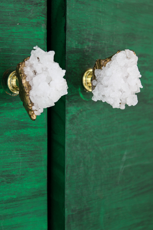 DIY Faux Crystal Knobs. Inspiration Projects to get your creative juices flowing.