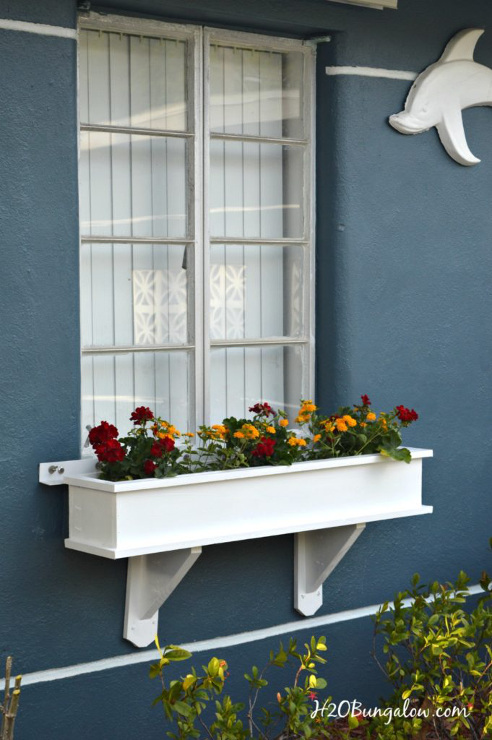 How to Build a Flower Box Planter Tutorial