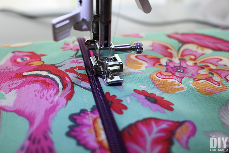 How to top-stitch along a zipper