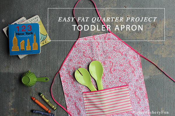 DIY Easy Toddler Apron. Such a fun sewing tutorial!