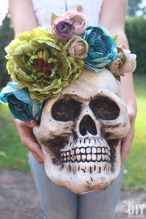 DIY Halloween Skull. Fun Skull Floral Arrangement.