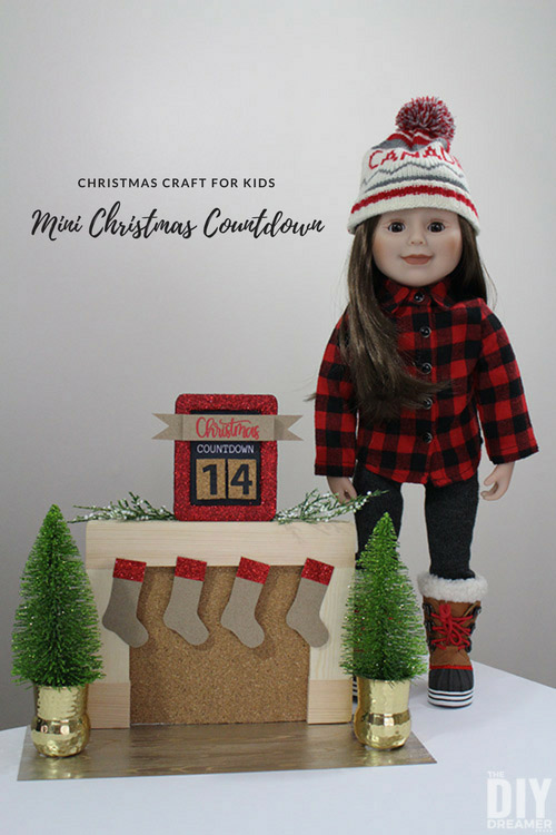 DIY Mini Christmas Countdown. This Christmas kids craft is a fun way for kids to count the days until Christmas. It's the perfect size for them to display on their dresser. #christmascountdown #christmascraftsforkids #christmasdecor