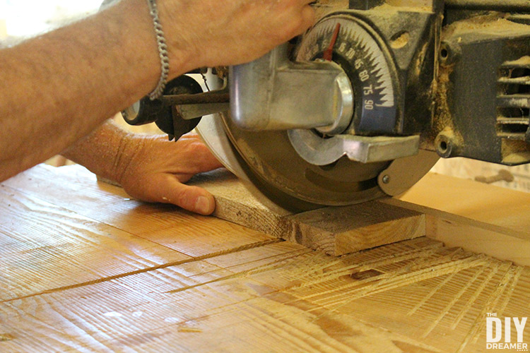 Using radial saw to cut wood