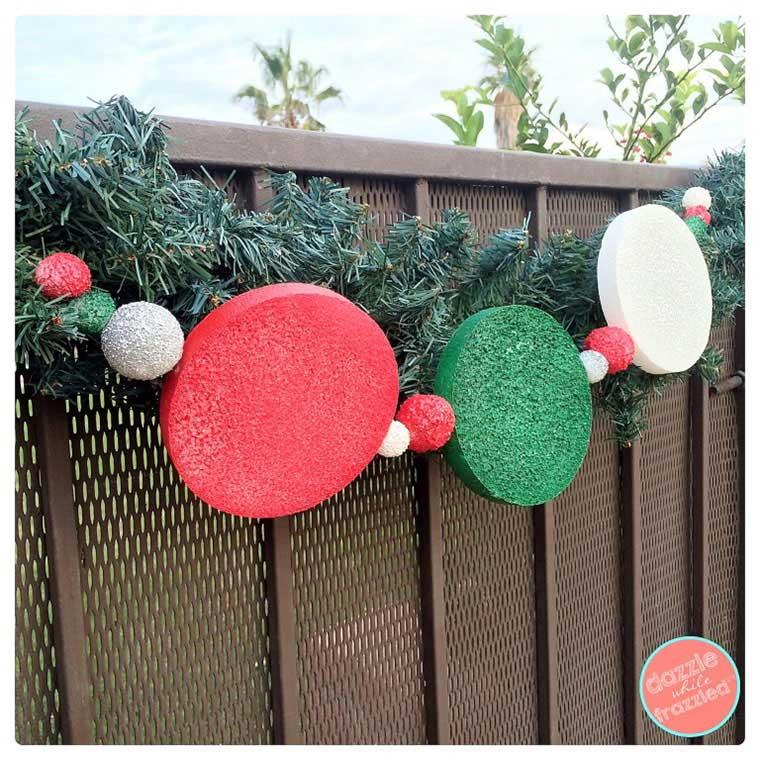 How to Make an Easy DIY Outdoor Holiday Garland