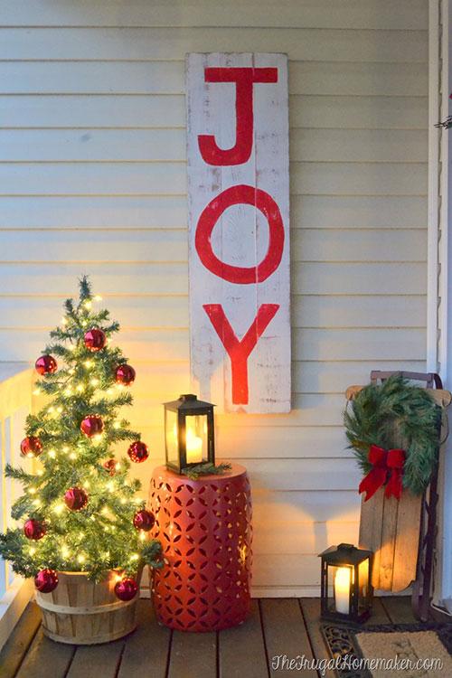 DIY Rustic JOY Christmas Sign.
