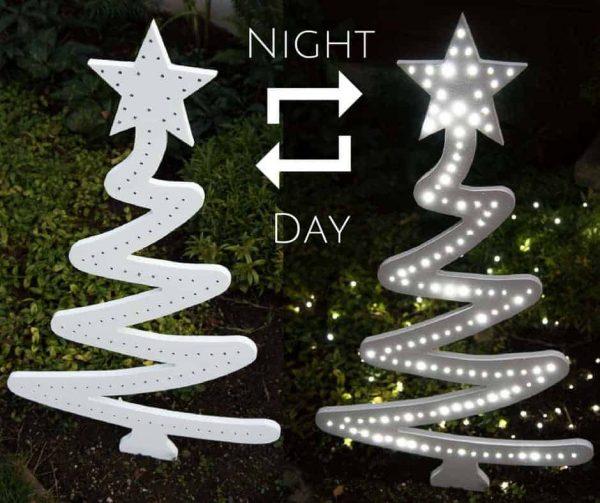 DIY Christmas Tree Yard Decoration