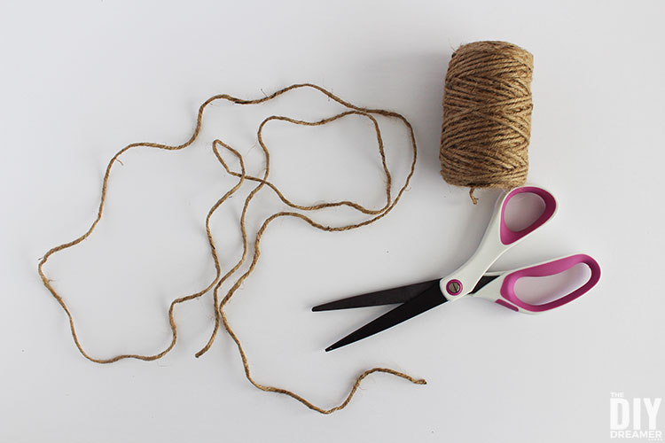 Cut twine to the desired length, depends how long you want the garland to be.