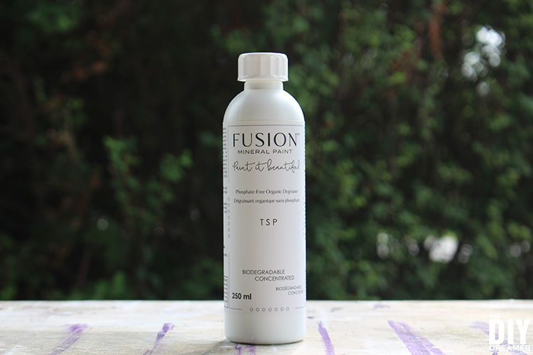 Fusion Mineral TSP is a water-based biodegradable degreaser used to thoroughly clean a bare or painted surface prior to applying paint.