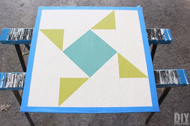 Barn quilt simple pattern.